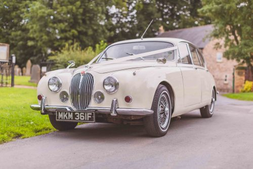 1968-white-jaguar-mk2 in ivory