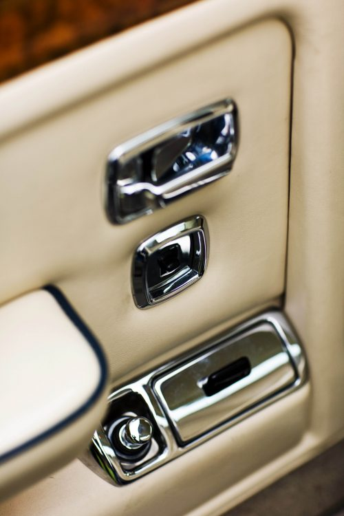 bentley-eight-door-interior