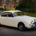 1969-daimler-v8-250- perfect for weddings in york