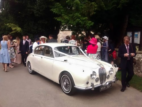1968-white-jaguar-mk2 in ivory at a York wedding
